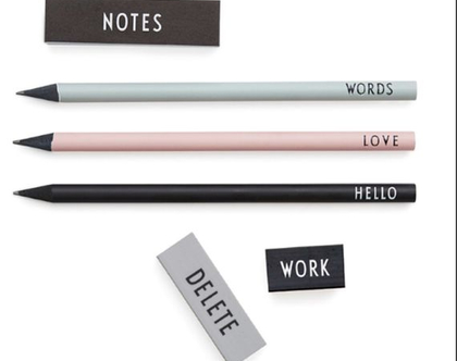 סט כתיבה בעיצוב סקנדינבי מינימליסטי הכולל - 3 עפרונות, 2 מחקים ופתקים קטנים לרשימות | מתנה מיוחדת ומקורית