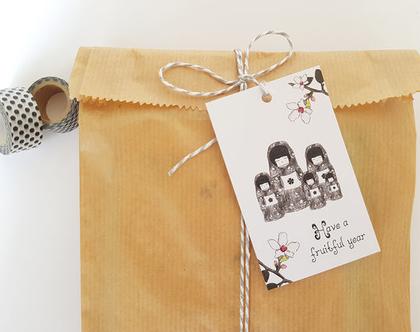תגית מתנה מאוירת אנגלית - בבושקה מיוחדת