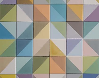 """36 אריחים יוצרים ריבוע בגודל 60X60 ס""""מ לחיפוי הקיר שמעל לכיריים במטבח"""