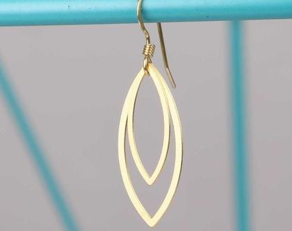 עגילי זהב בצורת עין/ עגילים בציפוי זהב / עגילים גיאומטריים/ תכשיט זהב גיאומטרי/ עגילים עדינים ליומיום