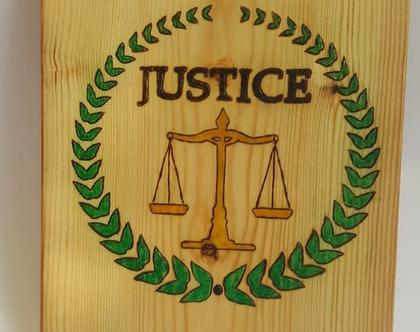 מתנה לעורך או עורכת דין