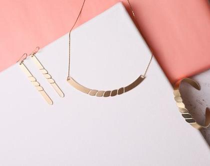 צמיד נחש / צמיד זהב פתוח / צמיד מתנה לאישה / תכשיט לאישה / מתנת יום הולדת/ תכשיט לערב