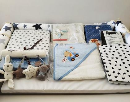 מארז מתנה ליולדת | משטח החתלה ומגוון מוצרים לתינוק/ת | משלוח חינם עד היולדת