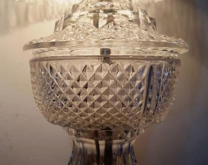 מנורת אהיל עם גוף זכוכית קריסטלית / מארצות הברית