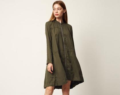 שמלת לארה זית   שמלת אוברסייז   שמלת ג'קט   שמלת רוכסן  