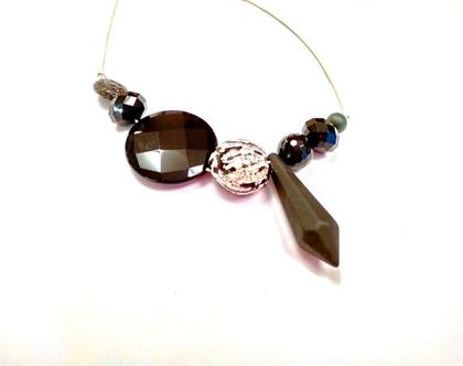 שרשרת ארוכה וקלה בשחור. תכשיט מיוחד מעוצב. תכשיט ארוך גדול קל. מתנה תכשיט מיוחד בשחור. שרשרת מתנה עד 150 שח. תכשיט עד 150 שח מתנה. אסימטרי