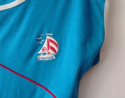 חולצת טריקו אייטיז   חולצת טריקו וינטג' לאישה   חולצת טריקו כחולה עם סמל סירה S M