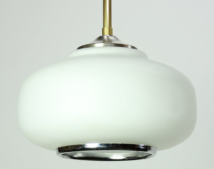 מנורת תקרה וינטאג׳ קטנה ולבנה עם טבעת כסופה