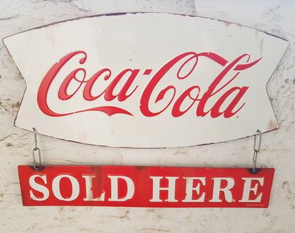 שלט פח קוקה קולה - שלט רטרו: קוקה קולה נמכר כאן - שלטים מפח - שלטי פח - שלט פח מורכב משני חלקים