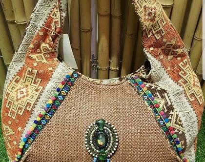 תיק בוהמי,שילוב בדים בשלל צבעים,מגיע עם אלמנטים שונים,סגירת רוכסן,בטנה באיכות