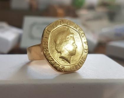 טבעת חותם, טבעת זהב, סגנון וינטג', טבעת מיוחדת, טבעת מטבע, טבעת מטבע עתיק, טבעות בסגנון עתיק, מטבע זהב, טבעת מעוצבת, טבעת לאירוע, טבעת זרת