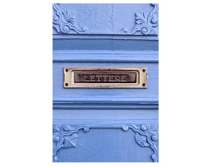 גלויה מצולמת. תיבת דואר ישנה. תיבת דואר עתיקה. דלת טורקיז. פרינט מקורי. צילומים מקוריים. כרטיס ברכה. הדפס מקורי. הדפס דלתות עתיקות.