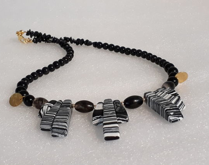 שרשרת ג'ספר זברה וגולדפילד - שרשרת שחור לבן - שרשרת אבני חן ג'ספר - טורמלין שחור - אוניקס - שרשרת מרשימה