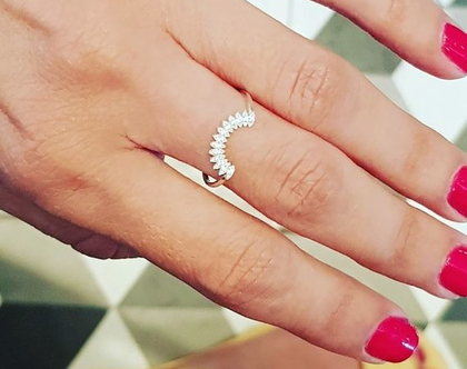 טבעת זהב וזירקונים| זהב 14קארט | טבעות עם שמות | טבעת בעיצוב אישי