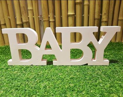 BABY - אותיות עץ באנלית.