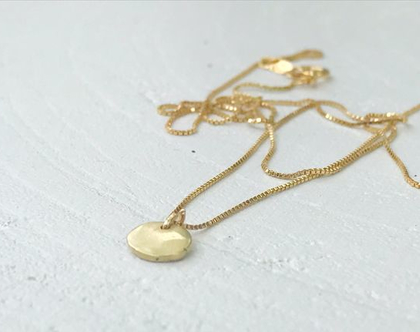שרשרת מטבע זהב   זהב 14 קראט   שרשרת זהב בעבודת יד   שרשרת קצרה ועדינה