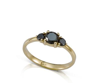 טבעת אירוסין עם יהלומים שחורים, טבעת יהלומים שחורים, טבעות אירוסין, טבעת אירוסין מיוחדת,טבעת אירוסין מעוצבת
