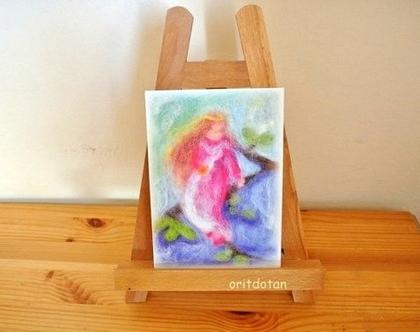 פיית פרחים, תמונת גלויה לילדים, כרטיס ברכה לילדים, ציור מקורי צויר בצמר כבשים צבעוני