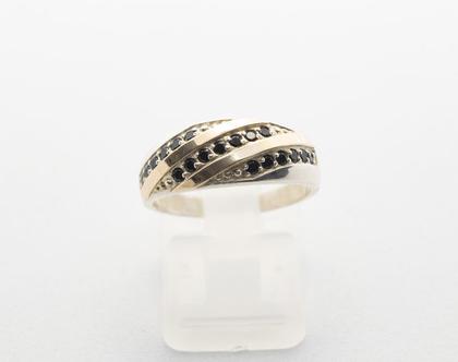 טבעת כסף בשילוב זהב עם אבני זרקוניה שחורה