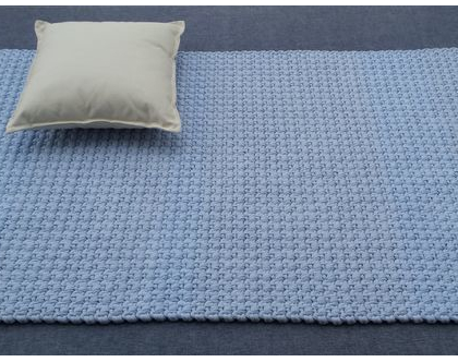 שטיח טריקו | שטיח סרוג | שטיח מלבני סרוג | שטיח עבודת יד | שטיח לחדר ילדים | שטיח תכלת | שטיחים סרוגים