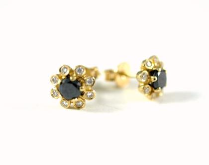 עגילי זהב צמודים | עגילי יהלומים | עגילים מעוצבים | תכשיטי מעצבים | אורה דן תכשיטים | מעצבת טבעות נישואין | עיצוב תכשיטים בתל אביב