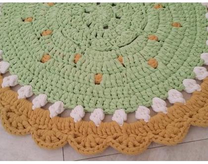 שטיח עגול סרוג בעבודת יד מחוטי טריקו דגם ''מנדלה' ייחודי צהוב ירוק   שטיח סרוג לחדרי ילדים בחוטי טריקו בעבודת יד   שטיחים סרוגים