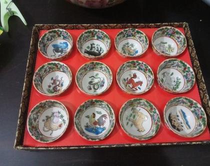 קערות קערת פורצלן וינטג' כוסות קעריות מיניאטוריות קמע מזל ציורי יד סיני יפני אוריינטלי