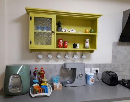 שידה תלויה למטבח בעיצוב רטרו כפרי