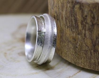 טבעת כסף מעוצבת מסתובבת המורכבת משלוש טבעות / R299