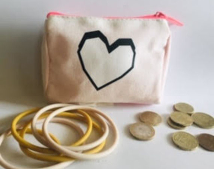 ארנק לב,ארנק למטבעות,ארנק קטן מעוצב,קייס קטן לתכשיטים