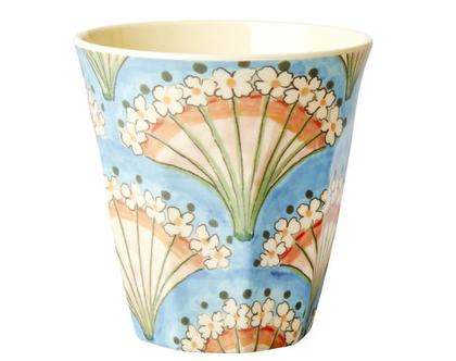 כוס מלמין טוטון מניפת פרחים ברקע תכלת | RICE DK | SOFI