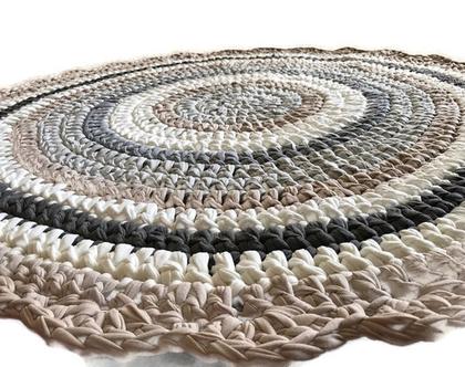 שטיח סרוג בגוונים נורדיים מעושנים אפור, שמנת, בג', אפור מעושן למראה כפרי חמים ורגוע | שטיח עגול | קוטר 1.20