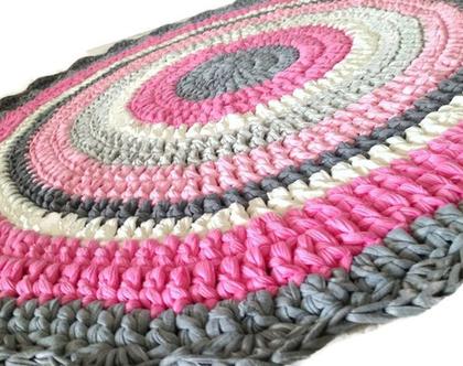 שטיח סרוג | שטיח עגול לחדר ילדים | שטיח לחדר ילדה | שטיח בוורוד ופוקסיה