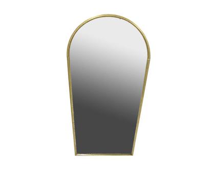 מראת גוף, מתרחבת כלפי מעלה ומקבלת צורת קשת,ממוסגרת במתכת מצופה זהב