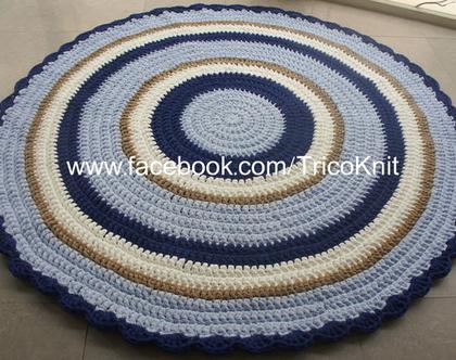 שטיח עגול סרוג תכלת, כחול, שמנת ומוקה בקוטר 1.5 מטר