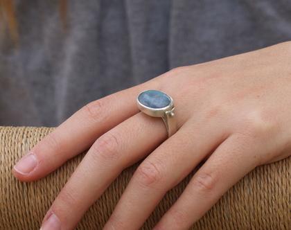 טבעת כסף משובצת אבן לברדורייט אובלית / R-169