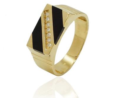 טבעת זהב לגבר משובצת יהלומים טבעת מעוצבת לגבר