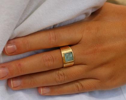 טבעת ריבועים משובצת אבן חן אקווה מרין.N-214