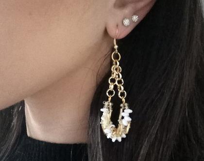 עגילי זהב ארוכים - עגילים תלויים בזהב עם חרוזים לבנים - עגילים תלויים בזהב - עגילים לבנים