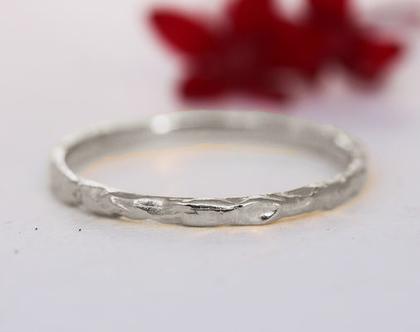 טבעת נישואין גולמית, טבעת זהב לבן, טבעת נישואין מיוחדת, טבעת לאישה, טבעת דקה, טבעת זהב, טבעת נישואין עדינה, טבעת נישואין קלאסית