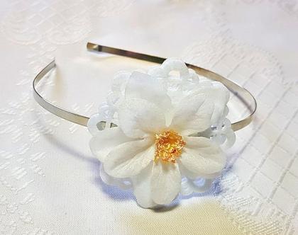 קשתות לשיער,פרח לבן עדין