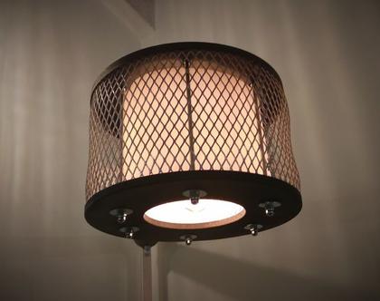 מנורת עמוד פינתית