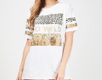 חולצת WILD בצבע לבן זהב