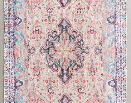 שטיח בוהו ורוד בגוונים רכים, שטיח ורוד ותכלת