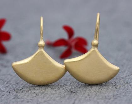 עגילי זהב צהוב, עגילי זהב אמיתי, עגילים עדינים, עגילי זהב נופלים, עגילי זהב עבודת יד, עגילי זהב שיקים, עגילים לכלה, עגילים אלגנטים