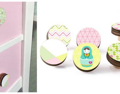 סט של 3-12 ידיות מעוצבות לבחירה, ידיות לעיצוב הבית ,ידיות עץ עגולות לחדר ילדים בצבעי פסטל
