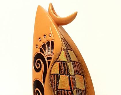 """אגרטל בינוני בצורת דובאי - קרמיקה בעבודת יד. צבע צהוב עמוק. מק""""ט 1160"""