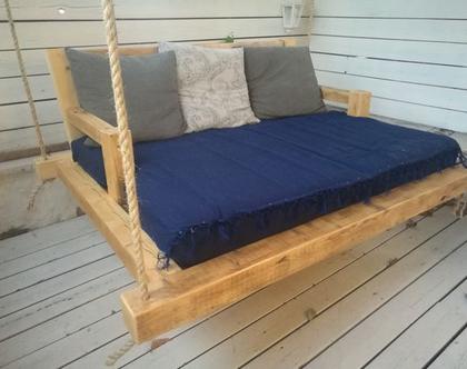 מיטת נדנדה לגינה