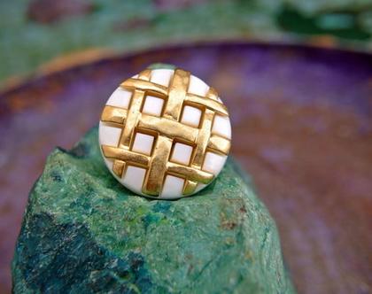 """6 כפתורי פלסטיק וינטג', כפתורים לבנים עם פסי זהב, כפתור מעוצב בגודל 23 מ""""מ"""