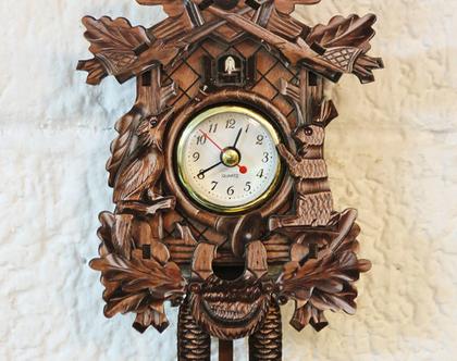 שעון מטוטלת קטן וחדש בעיצוב רטרו